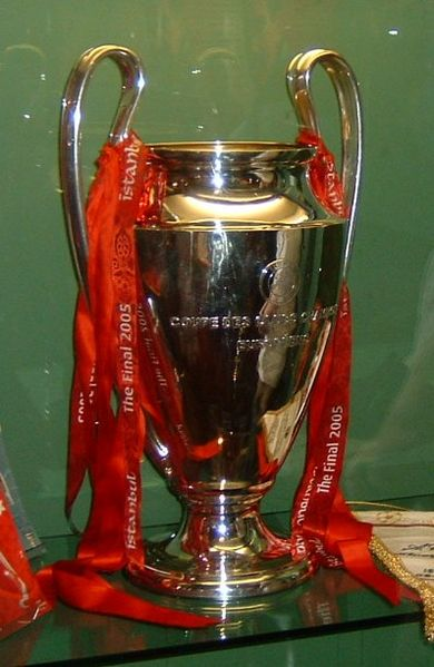 390px-2005_trophy_cropped